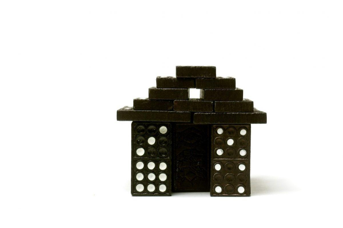 Lalki i domki dla lalek czyli sposób na zabawkę idealną dla małych dziewczynek